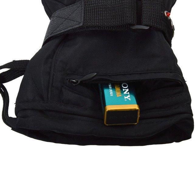 乾電池はポケットに収納可能