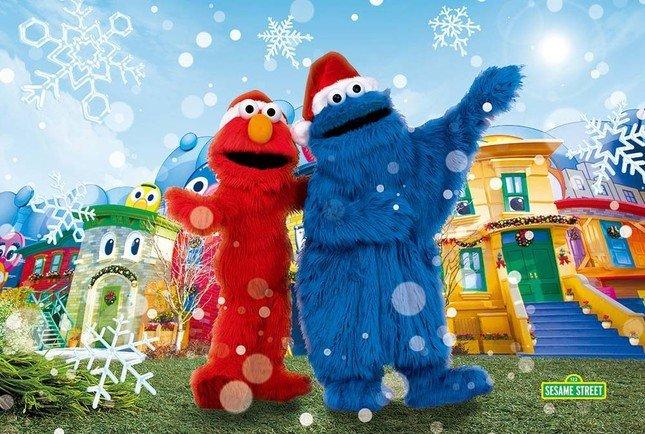 エルモとクッキーモンスターがお部屋にやってくる!