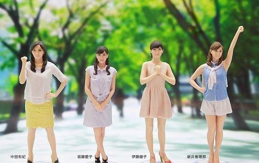 左から、中田有紀さん、皆藤愛子さん、伊藤綾子さん、新井恵理那さんのフィギュア
