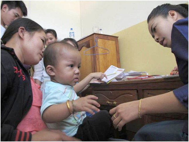 「ラオス・小児医療プロジェクト」を支援