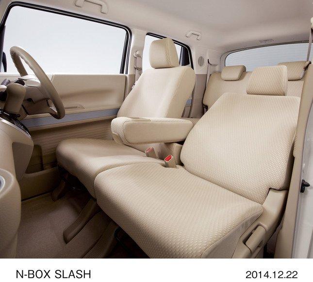 N-BOX SLASH G・Aパッケージ(FF、インテリア:ベージュ)