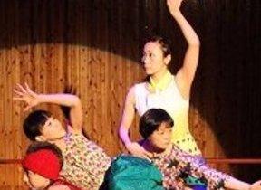 「つい踊りだしたくなる」 ロッテスペシャル『イースター』ソング「いーさ!いーのさー!!イースター!!!」ダンス公開中