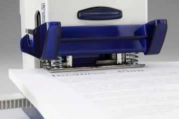穴あけ時の紙のズレを防ぐ