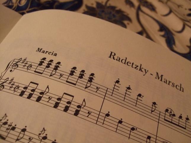 ラデツキー行進曲・ピアノ連弾の楽譜