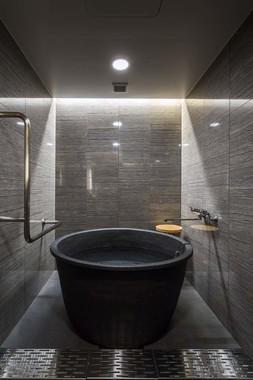 風流な信楽焼陶器風呂