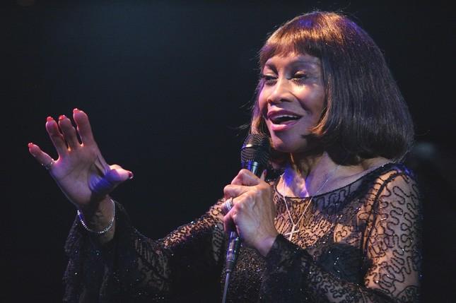 ジャズシンガーのサリナ・ジョーンズ