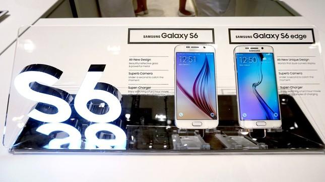 ベールを脱いだ「Galaxy S6」と「Galaxy S6 edge」