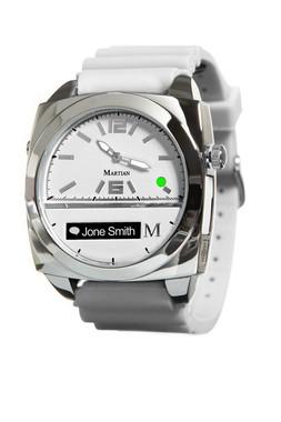 アナログ時計のムーブメントは日本製を使用