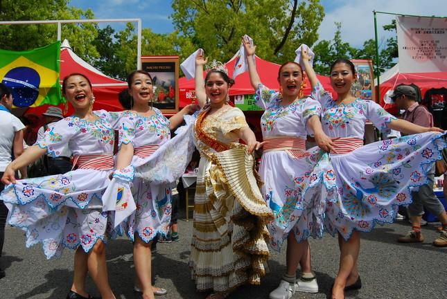 ペルーの民族ダンス「マリネラ・ノルテーニャ」