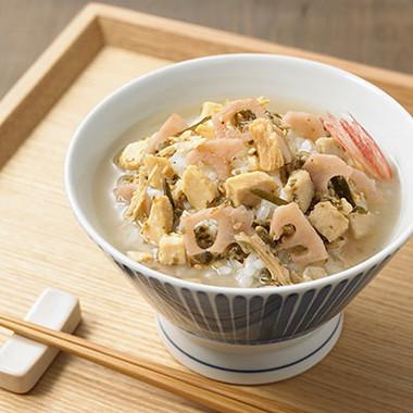 和歌山産梅と蒸し鶏の冷やし茶漬け