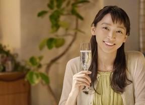杏×行定監督が描く「母との乾杯」 宝酒造「澪」WEB限定ムービー
