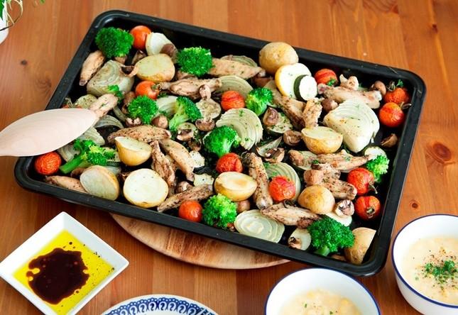 野菜と鶏手羽中のオーブン焼き&コーンスープ