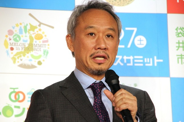 「メロン大使」西村雅彦さん