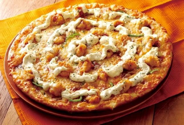 ピザとチキン南蛮のいいとこ取りの新感覚ピザ