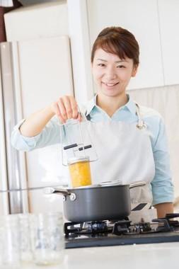 著者は料理研究家でジャーサラダレシピの第一人者・りんひろこさん
