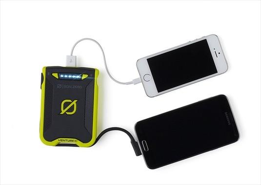 タブレット対応、2.4A USB出力2ポート搭載