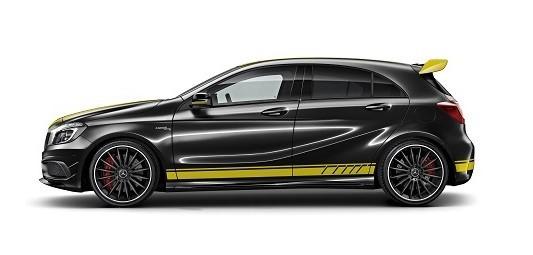 车身装饰有黄色彩条的跑车车型