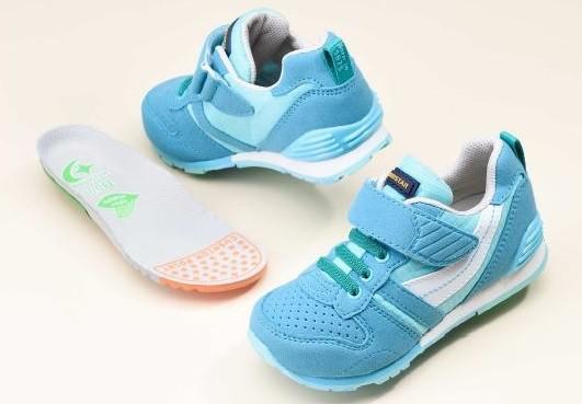 子どもの靴選びに迷うママの強い味方!