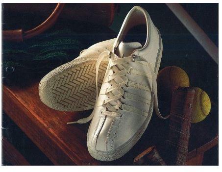 K・SWISSのテニスシューズ「Classic」