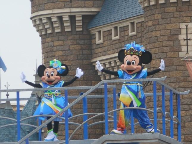 「雅涼群舞」にミッキーとミニー