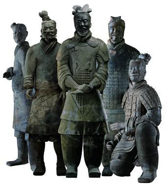 兵馬俑(集合)右から跪射俑、軍吏俑、将軍俑、歩兵俑、立射俑。秦始皇帝博物館蔵<br> ©Shaanxi Provincial Cultural Relics Bureau & Shaanxi Cultural Heritage Promotion Center
