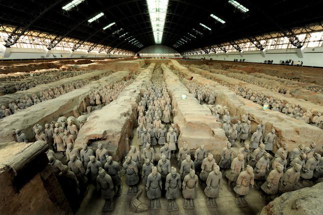 1号兵馬俑坑 秦始皇帝博物館蔵 ©Shaanxi Provincial Cultural Relics Bureau & Shaanxi Cultural Heritage Promotion Center