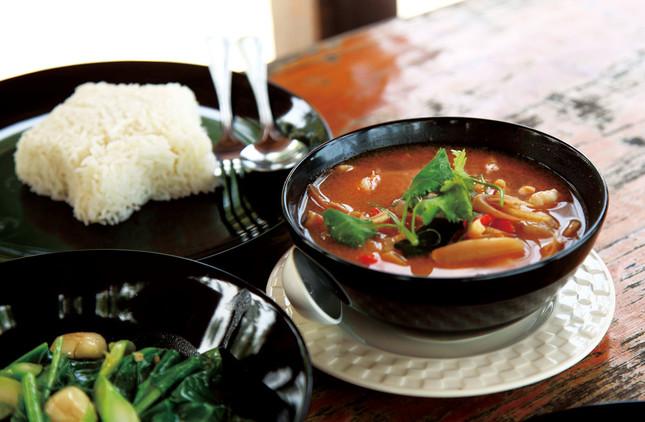 タイ料理のスープ「トムヤムクン」
