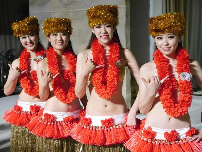 (左から)仙道悠莉さん、室田桃子さん、緑川涼香さん、阿部美憂菜さん