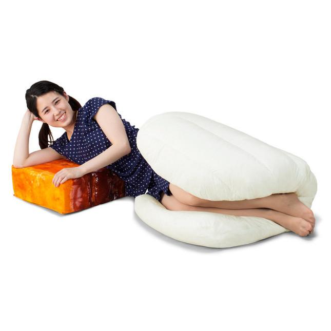 角煮風クッションが付属 枕にも使える
