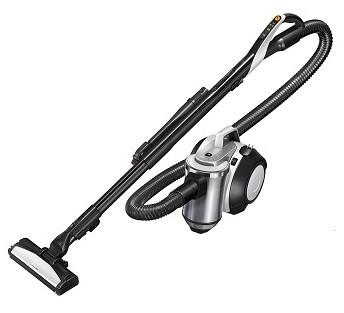 サッシレールの砂埃やホコリなどを、ほうきを使うように吹き飛ばして掃除する!(写真は、「風神 TC‐ZXE30P」)