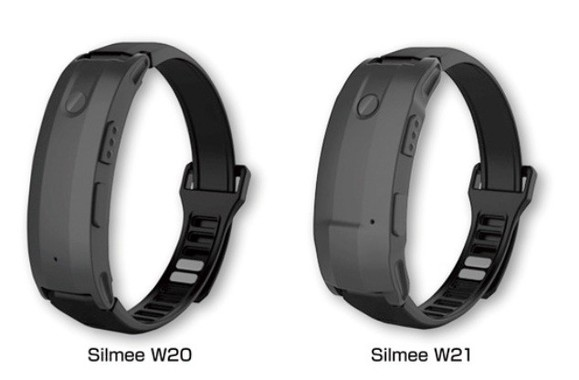 バンドは市販の腕時計用に交換可能