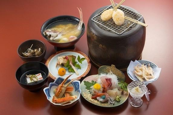 天然の生簀と呼ばれるほど富山湾の魚介は豊富で新鮮