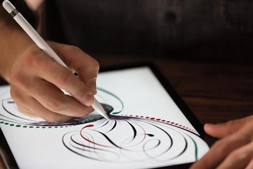 別売の「Apple Pencil」で絵画作成やスケッチなどを滑らかに行える