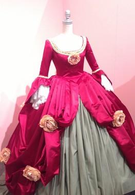1850年代のシンデレラのドレスを再現 .A N)PRINCESS MUSEUM