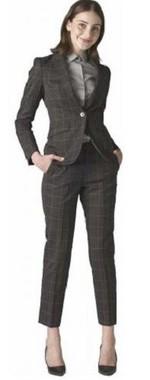 「スリムでカッコよく着やすい」美人スーツ登場!