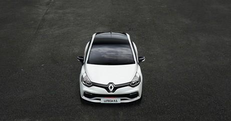 新たにストップ&スタート機能が搭載、燃費向上にも貢献