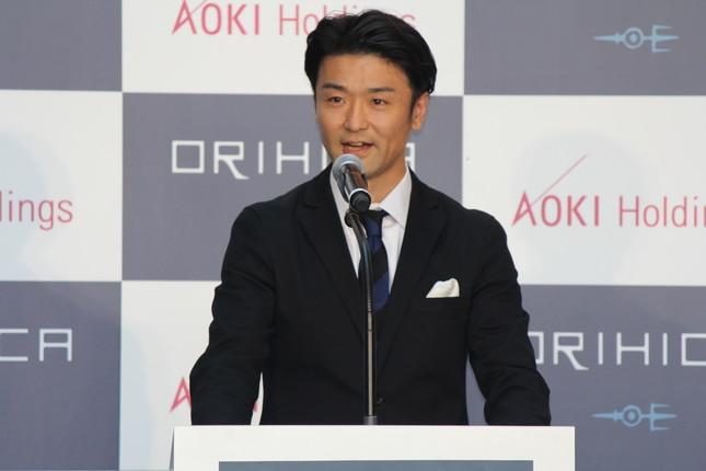 AOKIの青木彰宏会長が2015年秋冬シーズン新戦略発表会に出席 「ORIHICA」をPR