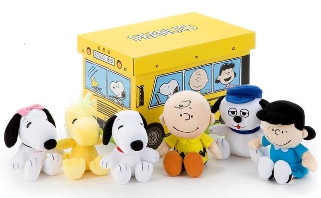 スヌーピーやチャーリー・ブラウンたちが収まるコレクションBOX
