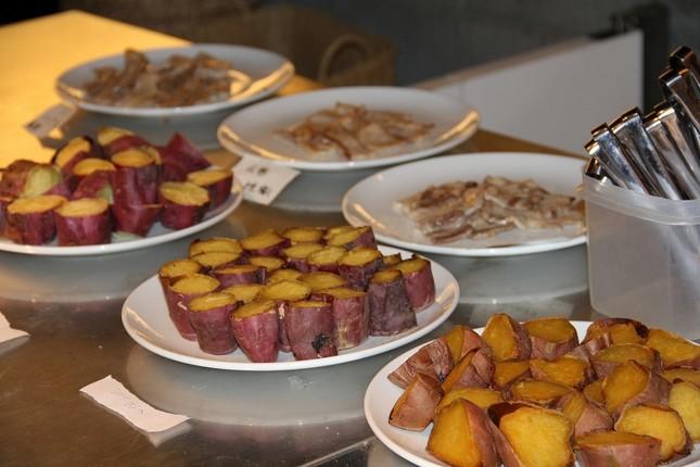 芋は「紅はるか」「安納芋」「鳴門金時」、豚肉は「一貴山豚」「米の娘ぶた」「薩摩黒豚」