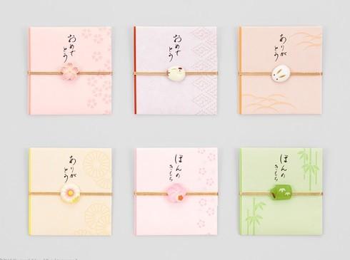 まるで本物の和菓子のよう!繊細で美しい和菓子モチーフが付いたぽち袋