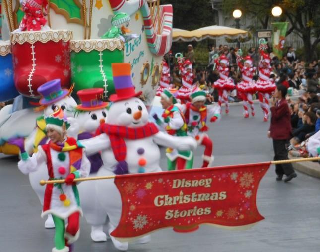 TDLの「クリスマス・ストリーズ」のオープニング