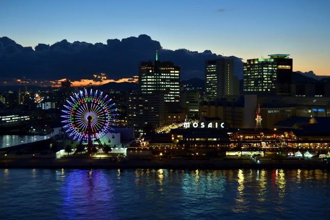 神戸ハーバーランドにある複合商業施設「モザイク」
