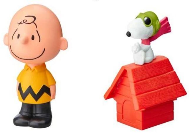 チャーリー・ブラウンのひとりごと(左)と、フライングエーススヌーピー。チャーリー・ブラウンは背中のボタンを押すと「ぼくにはできる!」と「は~やれやれ」の2種類のセリフを話す