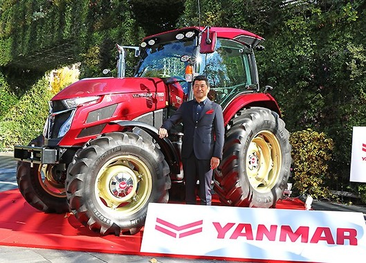 ヤンマートラクターYT5113のデザインを手がけた奥山清行さん