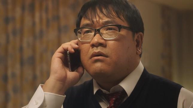 母の一言に「なんで、もっと連絡取らなかったんだろうオレ」と反省する息子役の竹山さん
