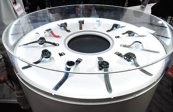 Gear S2シリーズはスタイリッシュな時計型ウェアラブル端末