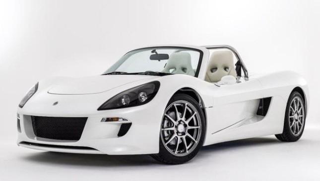 幻のスポーツカーがレーシングEVに進化して再登場!