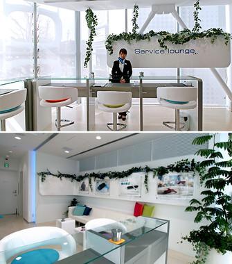 3階「Service lounge(サービス ラウンジ)」は、不具合の生じたiQOSの交換などを受け付けている