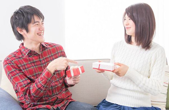 男性がプレゼント目的にチョコを買っても、もう恥ずかしくない時代に!?