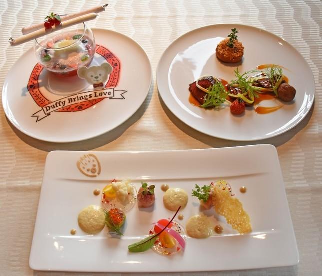 ホテルミラコスタのレストラン「オチェーアノ」の「スウィート・ダッフィー」に連動したランチコース